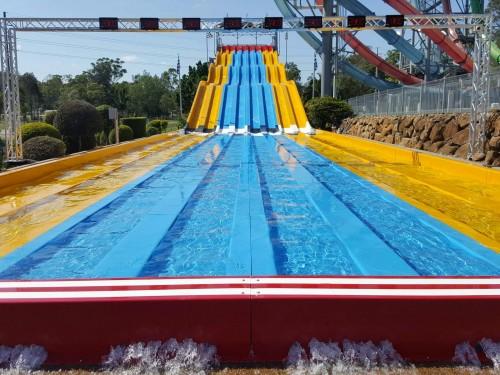 Wet ' N ' Wild Water World Racer Slide design